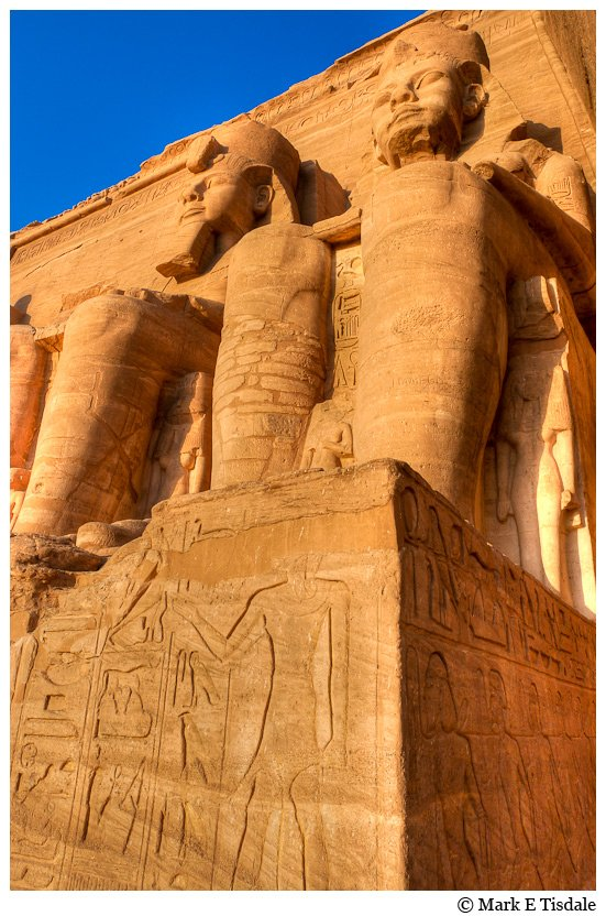 Picutre of two statues of Ramses The Great at Abu Simbel in Egypt