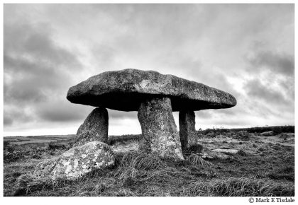 Cornwall Picture - a stone age standing stone - Lanyon Quoit