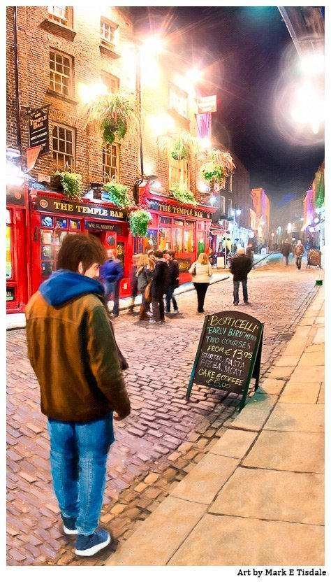 Picture of a night street scene in Dublin Ireland's Temple Bar