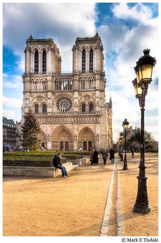Notre Dame de Paris Cathedral photo - Front View